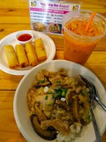 I ate lunch at Tang Heng Kee beside Wat Pho, and I had their pork with mushroom and gravy and rolls. They were good!