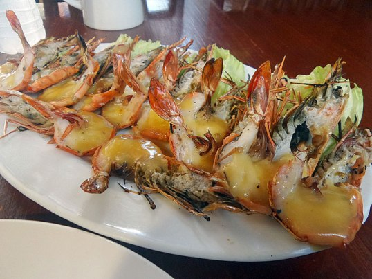 Grilled prawns with lemon butter sauce