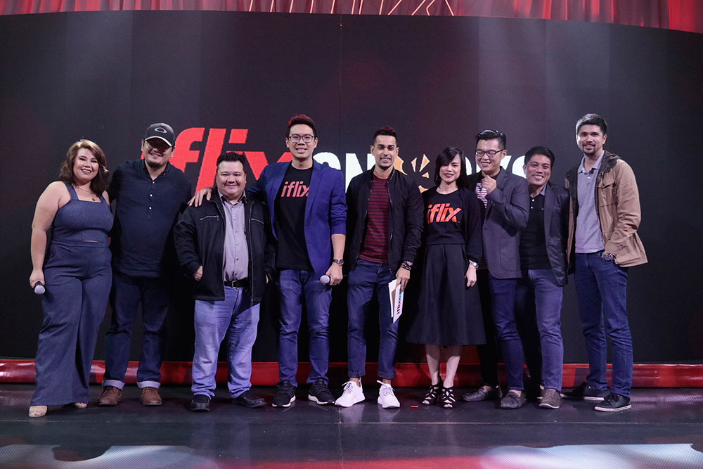 IFLIX-COUNTRY-MANAGER-SHERWIN-DELA-CRUZ-AND-HEAD-OF-CONTENT-GEORGETTE-TENGCO-WITH-THE-SHORT-FORM-CONTENT-CREATORS-BEHIND-IFLIX-SNACKS