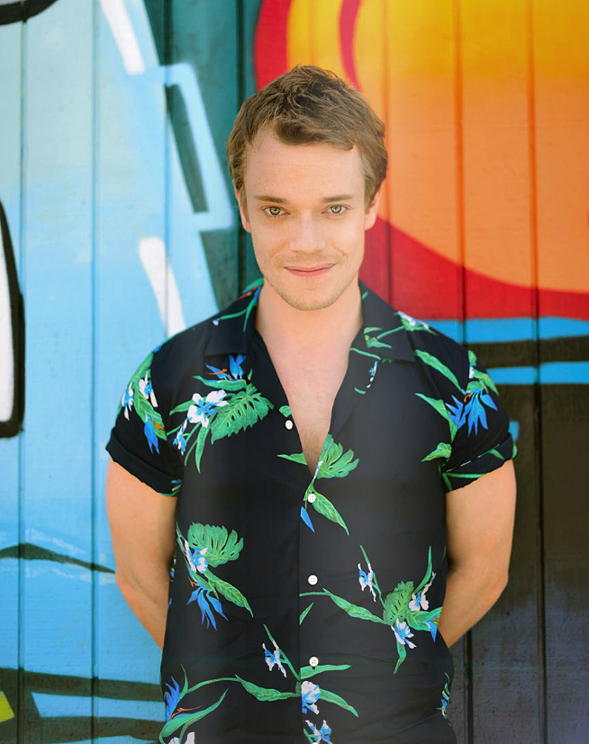 Alfie-Allen-Status-Magazine-Photoshoot-May-2016-alfie-allen-39660061-654-826